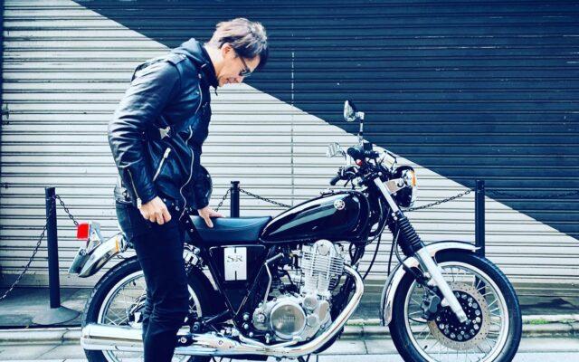 バイクに乗り始めていた頃から憧れていたヤマハSRには、30代になって乗ることができた。