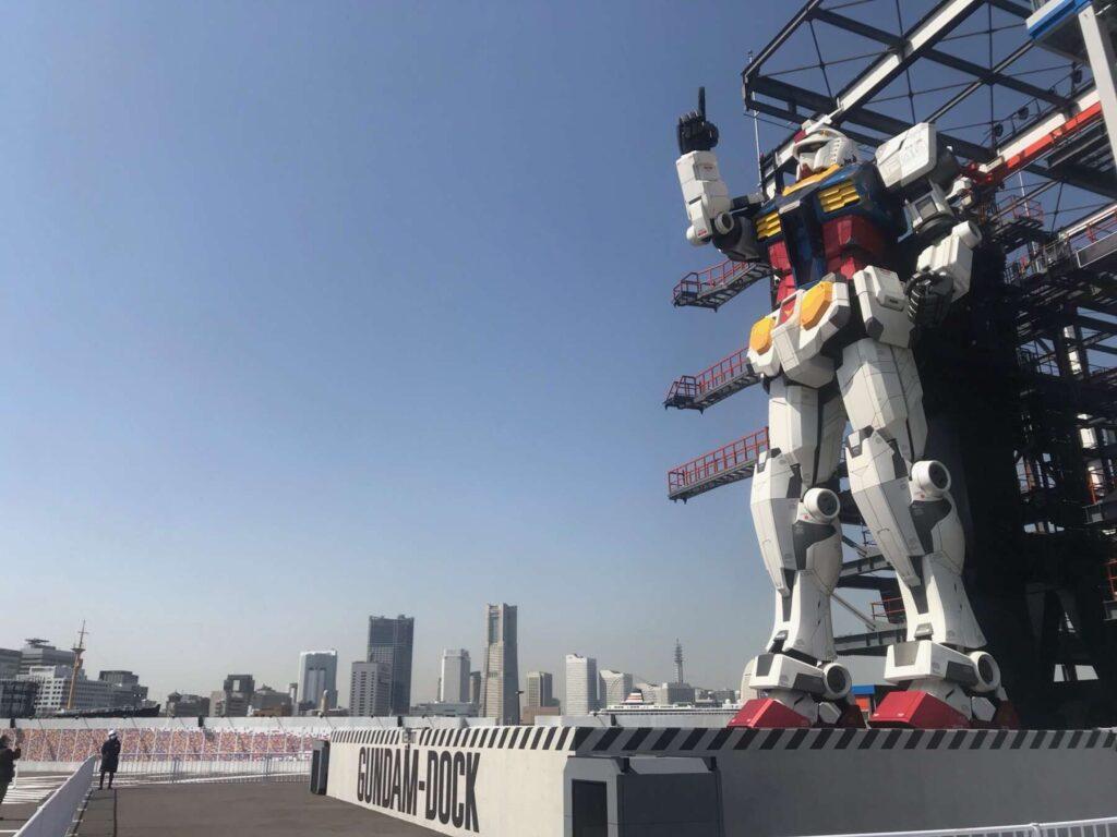 横浜に立つガンダム