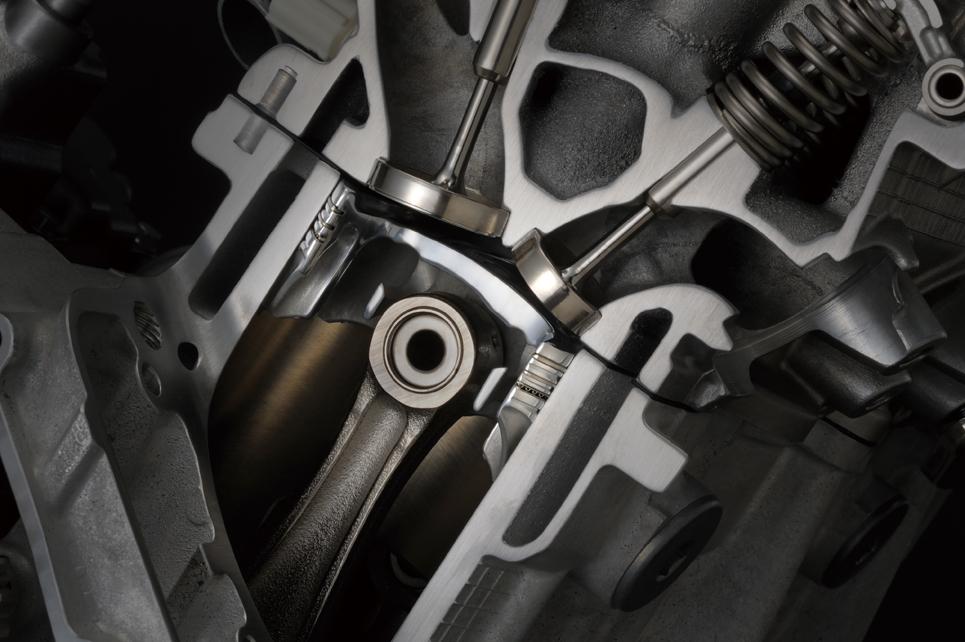 GSX-R1000エンジン